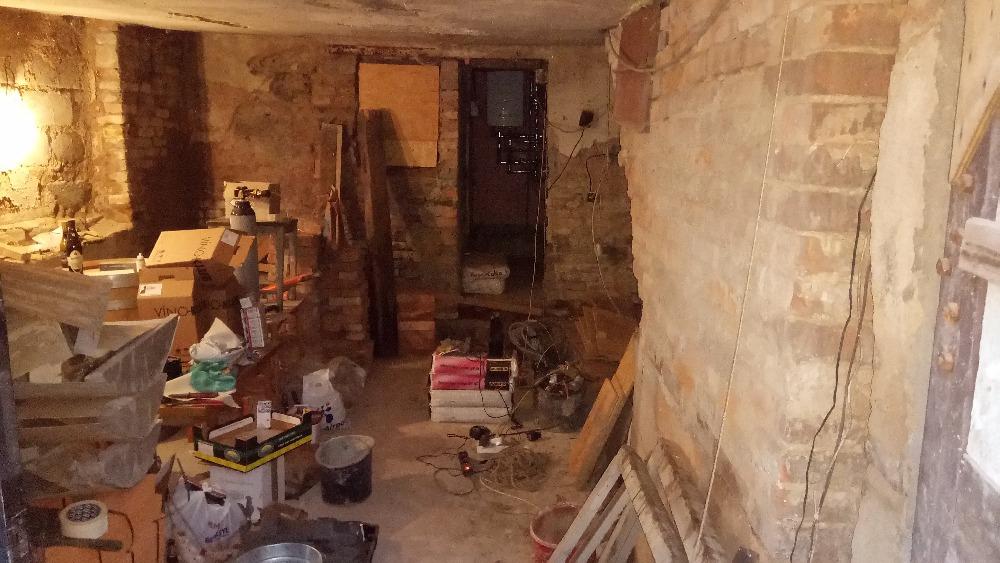 vnitřní prostor před rekonstrukcí